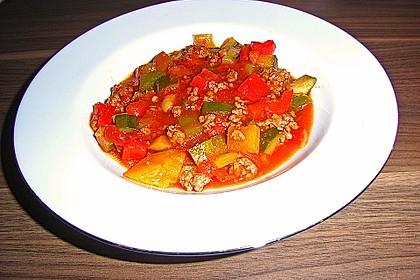 Gehacktessuppe mit Gemüse