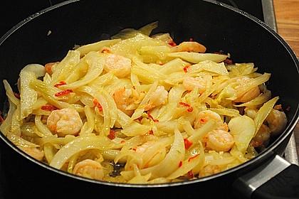 Garnelen-Fenchel-Pfanne mit Buttermilchsalat 4