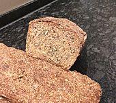 Vollkorn-Möhrchen-Brot (Bild)