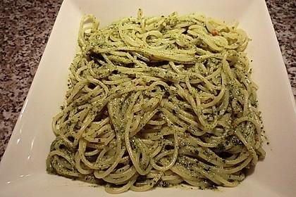 Spaghetti mit Basilikumpesto 2