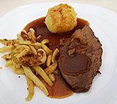 Omis Rinderbraten mit Rotweinsoße (Bild)