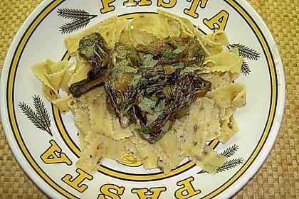 Tagliatelle mit getrockneten Pilzen (Bild)