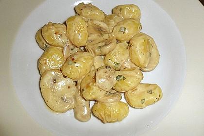 Gnocchi in Sahne-Champignons Soße 1