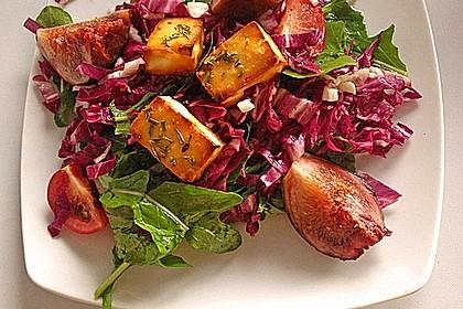 Bunter Salat mit gratiniertem Ziegenkäse, Feigen und einem Balsamico-Schoko-Dressing 3