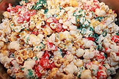 Buntes Karamell-Popcorn