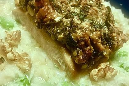 Lachs mit Parmesan-Kräuter-Walnuss-Kruste 65
