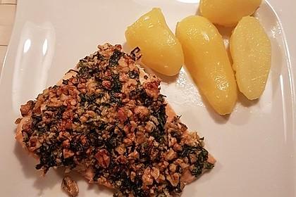 Lachs mit Parmesan-Kräuter-Walnuss-Kruste 33