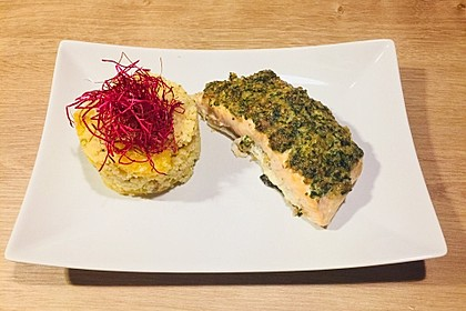 Lachs mit Parmesan-Kräuter-Walnuss-Kruste 30