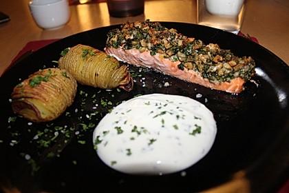 Lachs mit Parmesan-Kräuter-Walnuss-Kruste 9