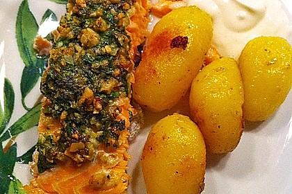 Lachs mit Parmesan-Kräuter-Walnuss-Kruste 10