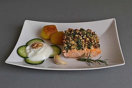 Lachs mit Parmesan-Kräuter-Walnuss-Kruste 3