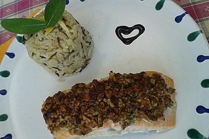Lachs mit Parmesan-Kräuter-Walnuss-Kruste 46