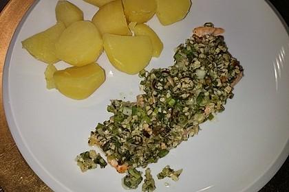 Lachs mit Parmesan-Kräuter-Walnuss-Kruste 51