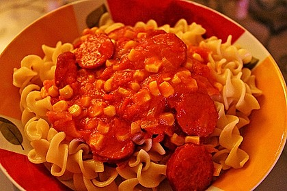 Pasta mit scharfer Barbecuesoße (Bild)