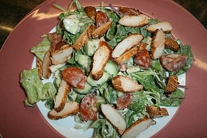 Salat mit Putenstreifen und Joghurtdressing 1