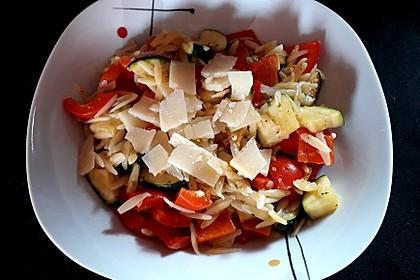Gemüse-Nudel-Risotto (Bild)