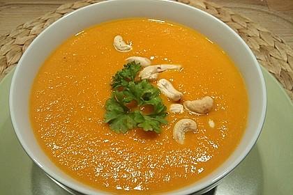 Karotten-Kokos Suppe mit leichter Currynote 2