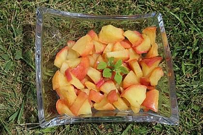 Im Wok gedünstete Äpfel mit Zimt