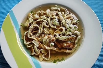 Schwäbische Kräuterflädle - Suppe 2