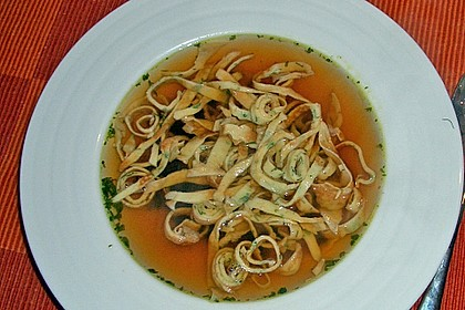 Schwäbische Kräuterflädle - Suppe 6