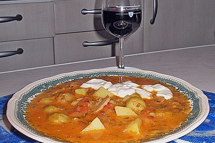 Rosenkohlsuppe mit Bratwurstklößchen 7