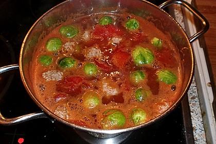 Rosenkohlsuppe mit Bratwurstklößchen 3