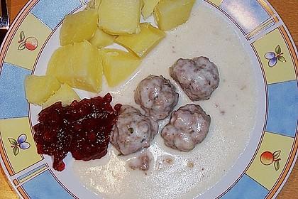 Fleischklößchen mit Sahnesoße 6