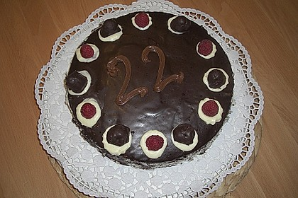 Feine Schokoladentorte 3