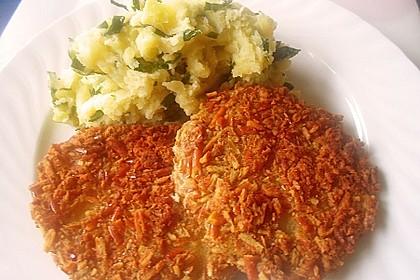 Panierte Kohlrabischnitzel an Kartoffel-Kohlrabiblätter-Püree für 2 Personen