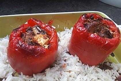 Vegetarisch gefüllte Paprika (Bild)