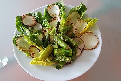 Warmer Frühlingssalat mit Mairübchen, grünem Spargel und Bärlauch 5