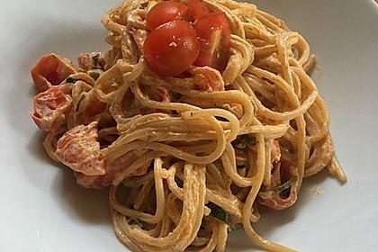 Pasta mit Bärlauch-Frischkäse-Soße und Cocktailtomaten 17