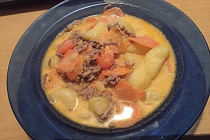 Kartoffel-Hackfleisch-Topf mit Schmand und Möhren 31