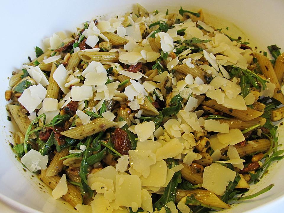 Sylvias Nudel Pesto Salat Mit Frischem Rucola Von Sylviahochscheid