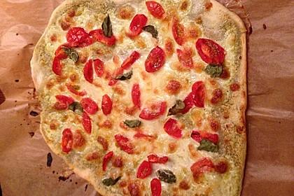 Tomaten-Mozzarella-Flammkuchen 44