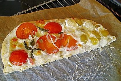 Tomaten-Mozzarella-Flammkuchen 41