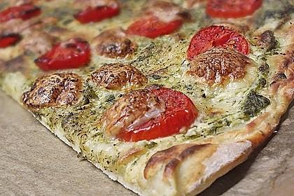 Tomaten-Mozzarella-Flammkuchen 5