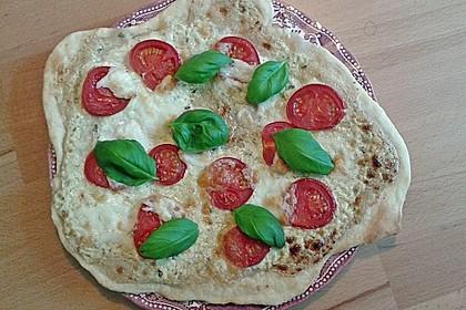 Tomaten-Mozzarella-Flammkuchen 10