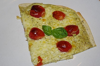 Tomaten-Mozzarella-Flammkuchen 15
