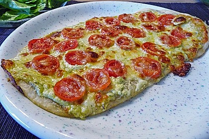 Tomaten-Mozzarella-Flammkuchen 13