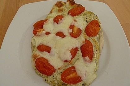 Tomaten-Mozzarella-Flammkuchen 16