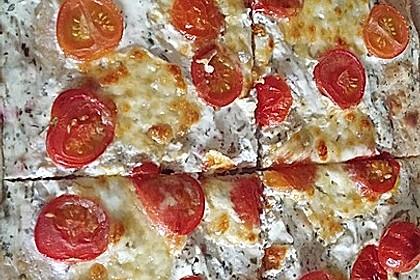 Tomaten-Mozzarella-Flammkuchen 38