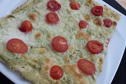 Tomaten-Mozzarella-Flammkuchen 18