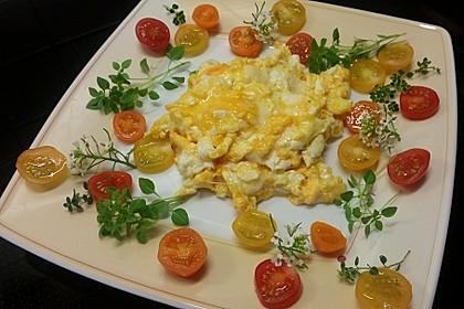Rührei mit Tomaten und Käse 1