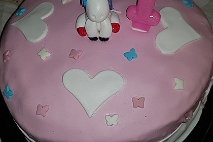 Himbeersahnecreme-Torte (Bild)