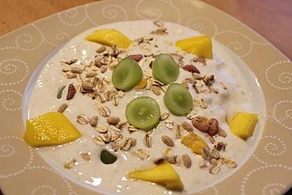 Mangomüsli mit Bananenjoghurt