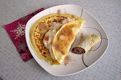 Pfannkuchen mit Obst-Quarkfüllung