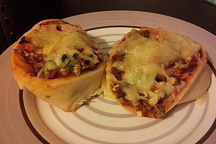 Pizzaschnecken mit Zucchini und Schinken 9