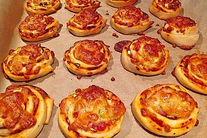 Pizzaschnecken mit Zucchini und Schinken 8