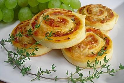 Pizzaschnecken mit Zucchini und Schinken 1
